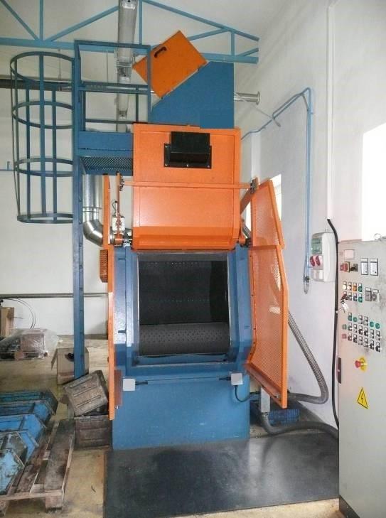 GH rubber belt shot blasting machine for spareparts, complete machine opened door