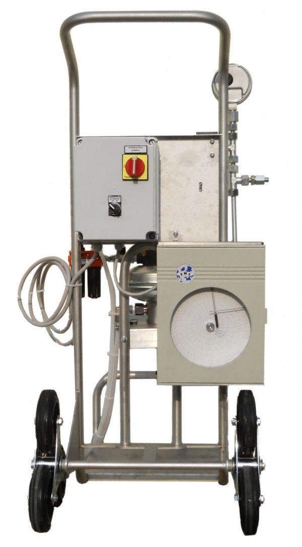 Analóg körkörös nyomsérték regiszter víznyomáspróbához és folyadékokhoz egy N7/4 pumpán