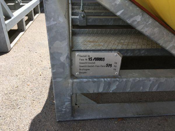 Sella HV fém kaloda nagy tartáloyk részére. Klór hordó, halon hordó, hűtőgázok tartályainak szállítása tárolása, targoncázható módon.