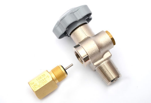 RPV (residual pressure valve) with filling adapter