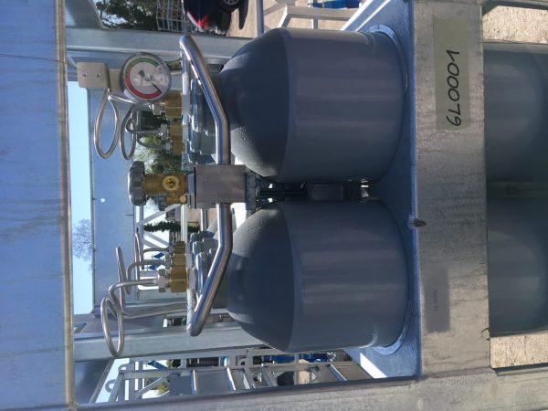 ring manifold on 6x50 gas cylinder bundel